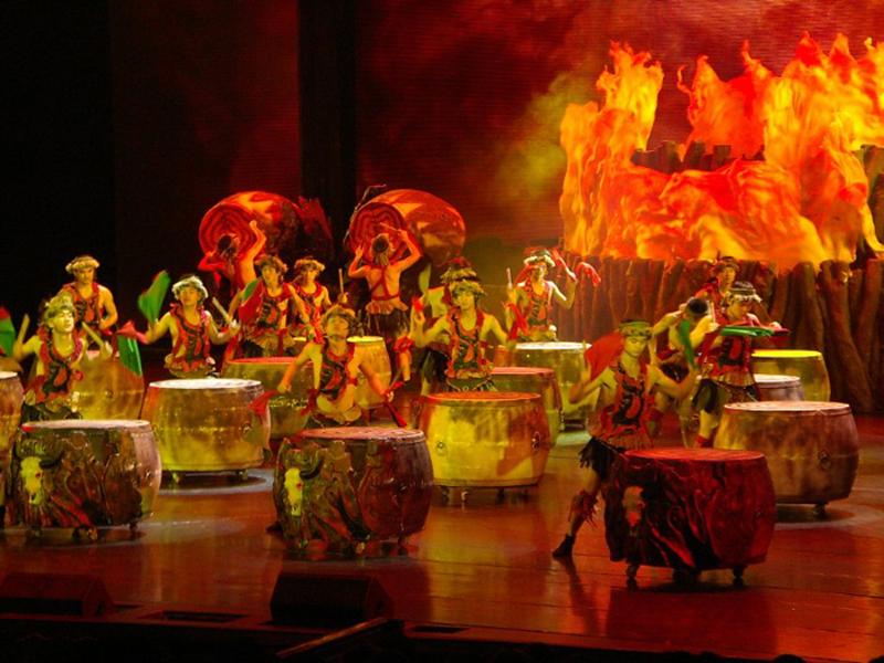 Charming Xiangxi Show in Wulingyuan