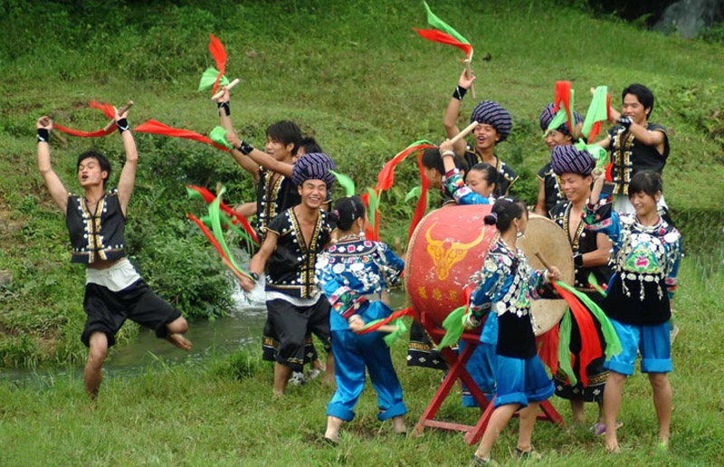 Miao drums performance