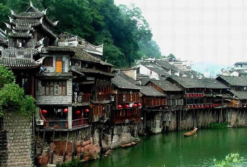 Phoenix Ancient Town-Fenghuang