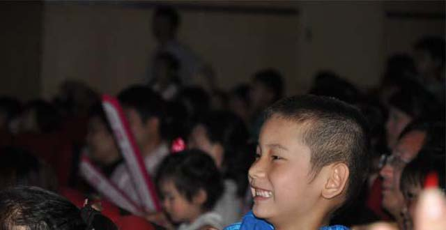 China's First Magic Show for Parent-child Held in Changsha