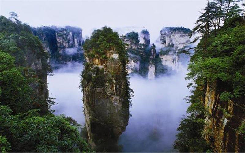 Travel in Zhangjiajie in New Spring