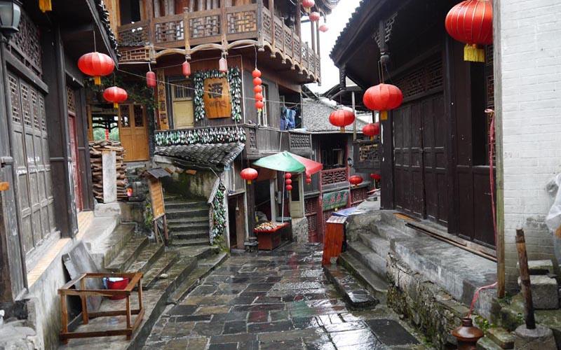 6-Day Zhangjiajie Discovery and Rafting Tour