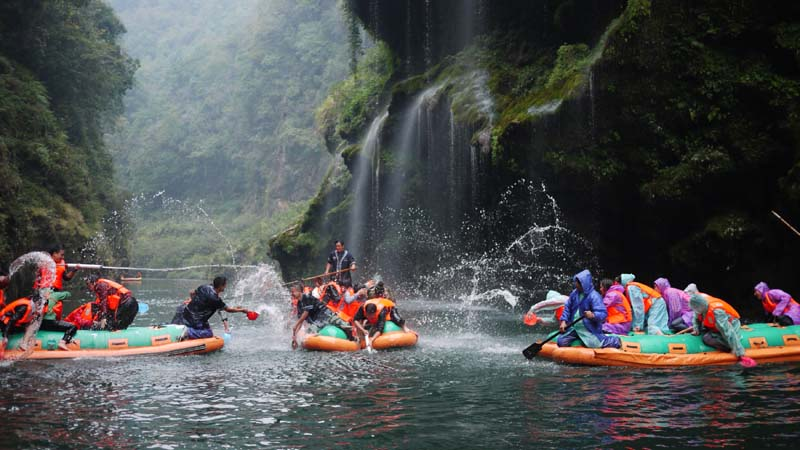 5-Day Zhangjiajie Discovery and Rafting Tour