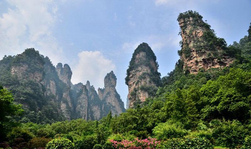World Environment Day: Wulingyuan Welcome Tourists with Blue Sky