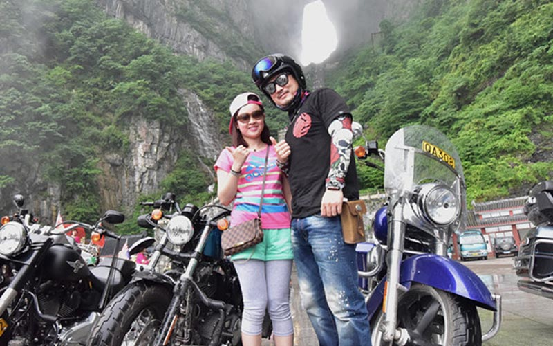 30 Harley Davidson Motorcycle Racers Challenge Zhangjiajie Heaven Road